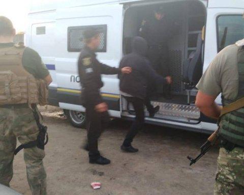 Десятки затриманих: як рейдери захоплювали елеватор під Харковом