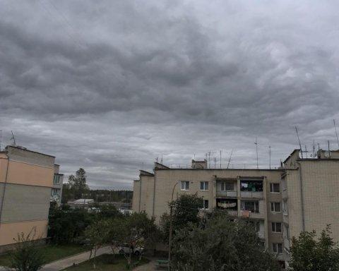 Насувається щось страшне: синоптик розповіла, якою буде погода в Україні