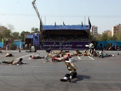 В Иране в результате теракта погибли военные: опубликованы первые фото и видео