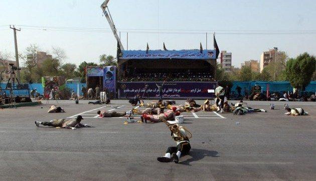 В Ірані в результаті теракту загинули військові: опубліковано перші фото та відео