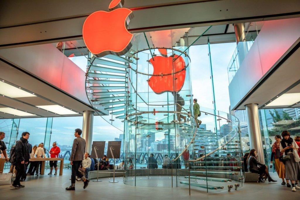 Apple снова отзывает ноутбуки: что случилось