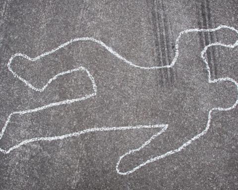 Лежал под магазином: в Киеве среди ночи нашли труп мужчины