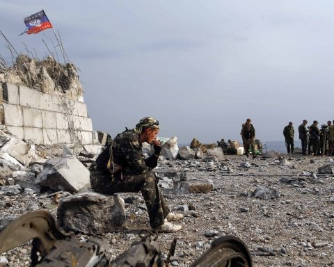 Выпил и проверил на прочность бронежилет из «ДНР»: ВСУ не нужны, боевики расстреливают сами себя