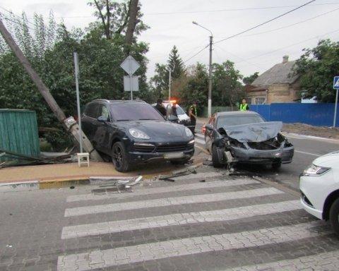 Під Києвом Porsche на смерть збив пенсіонера