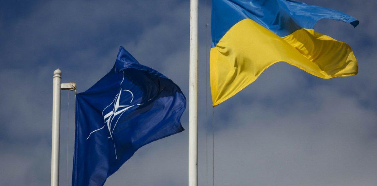 Україна може обміняти Донбас на НАТО – генерал Романенко