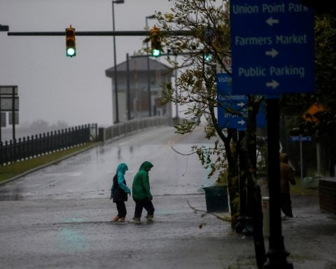 Ураган «Флоренс» в США: число жертв продолжает расти, страшные кадры стихии