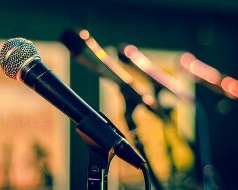 Украинцам хотят запретить петь русские песни