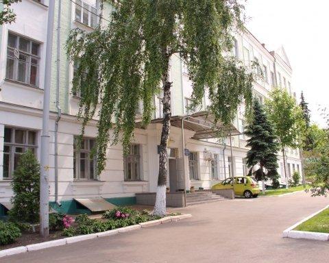 Нападение на учительницу в Киеве: новые подробности и видео с места ЧП