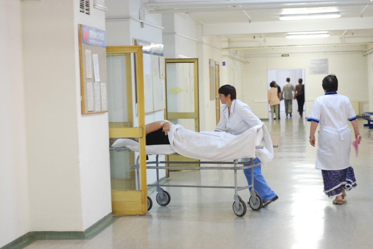 Только не вперед ногами: Супрун рассказала, как во всем мире перевозят больных