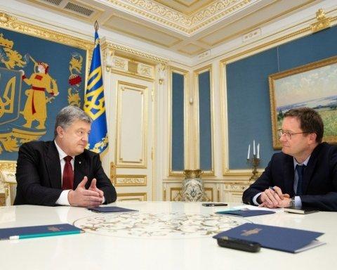 Порошенко рассказал, как Россия вмешивается в украинские выборы