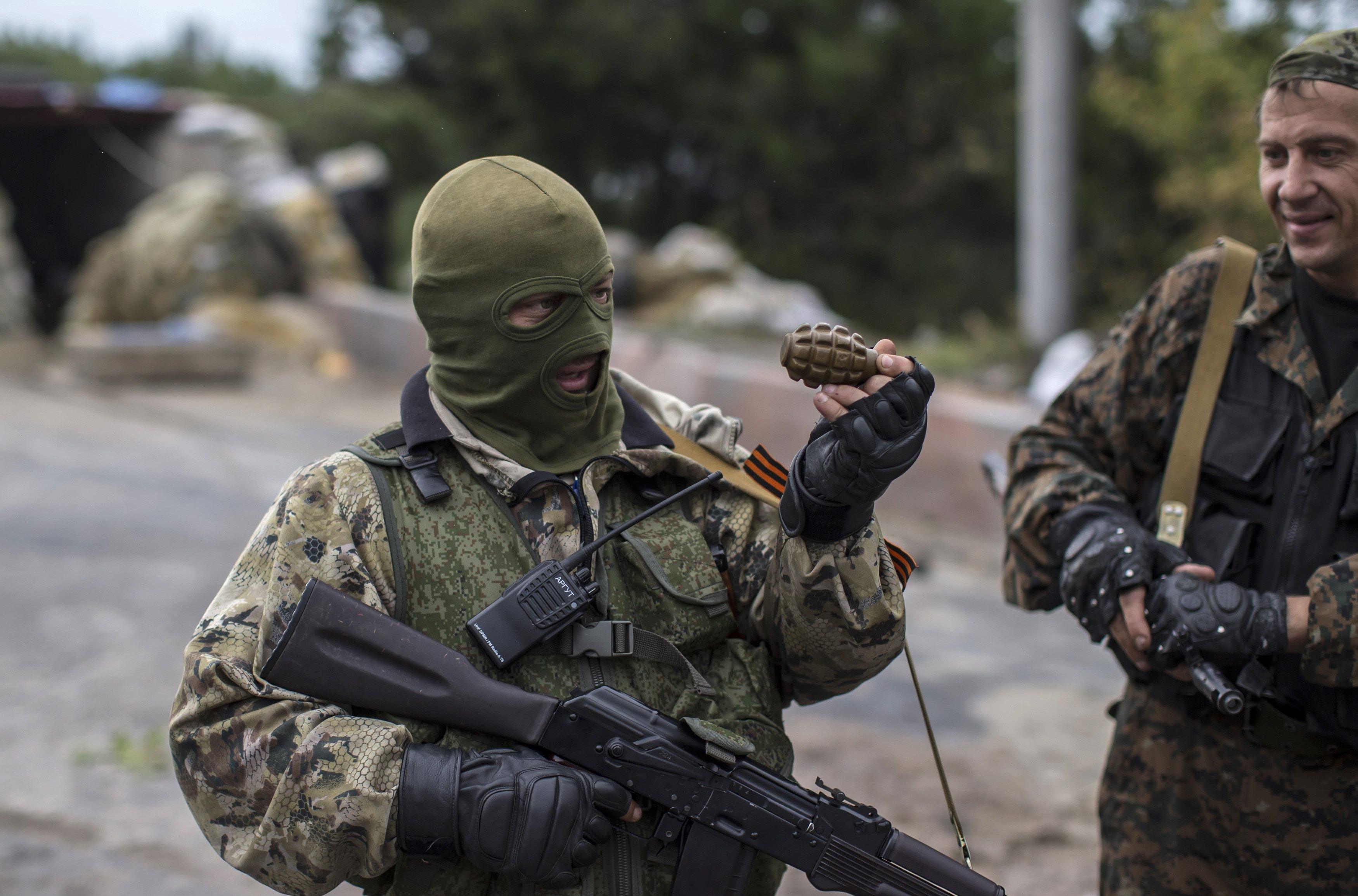 На Донбассе нашли очень наглого боевика: в сети высмеяли видео