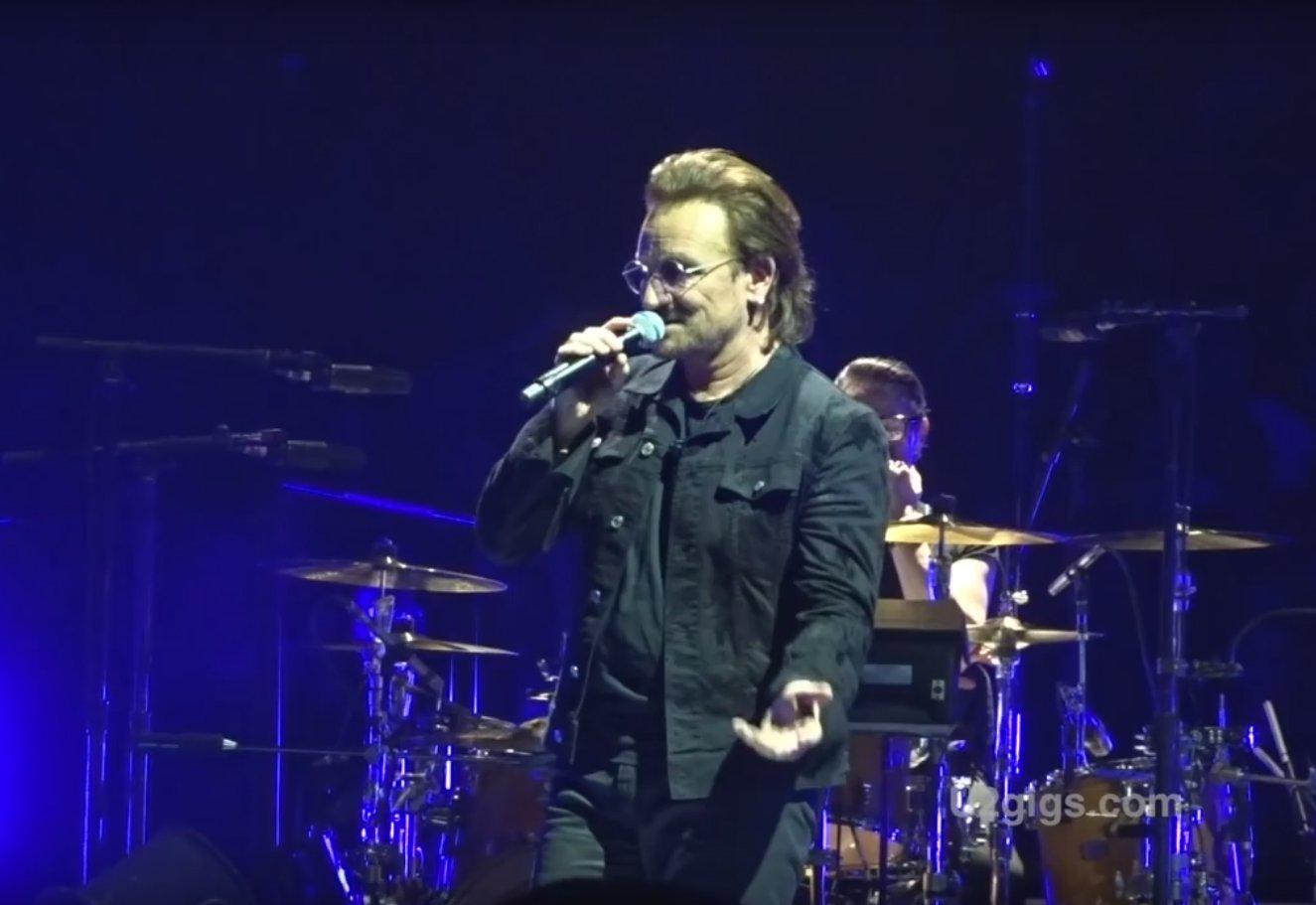 Соліст легендарного гурту U2 втратив голос під час виступу