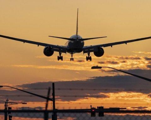 Целый самолет отправили на карантин из-за угрозы вспышки холеры