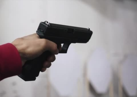 Уже стрелял в патриотов: появилась интересная информация о подозреваемом в нападении на Михайлика