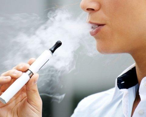 В Україні електронні цигарки хочуть прирівняти до звичайних