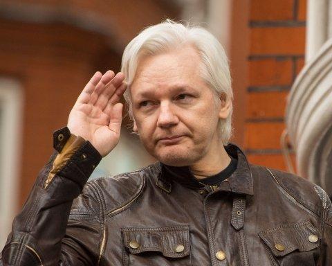 Ассанж покинул пост главного редактора WikiLeaks: названа причина