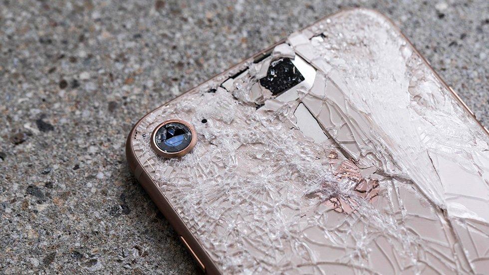 Скло за ціною телефона: названо ціни на ремонт нових iPhone