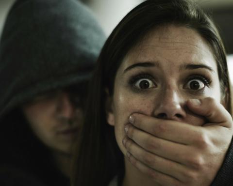 Прямо из рук родителей: в Киеве дерзко похитили ребенка