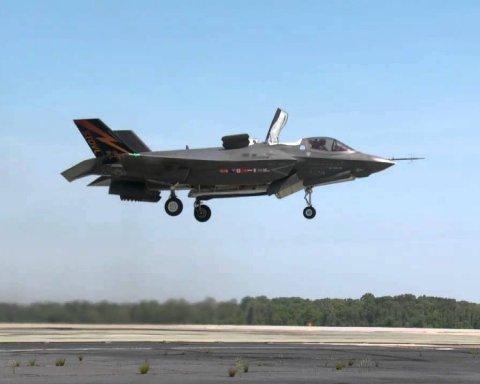 У США вперше розбився новітній літак: фото і відео