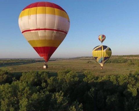 У Тернополі в день міста запустили повітряні кулі