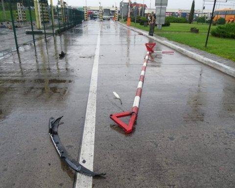 Розшукуваний німець зніс ворота на польсько-українському кордоні
