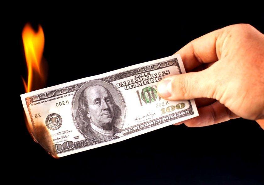 У Путіна вирішили відмовитися від долара: названо причину