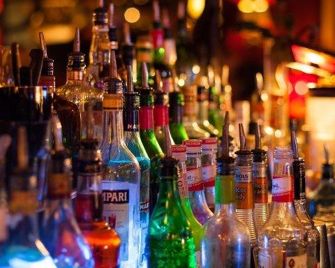 В Україні знову подорожчає алкоголь: Рада озвучила цифри