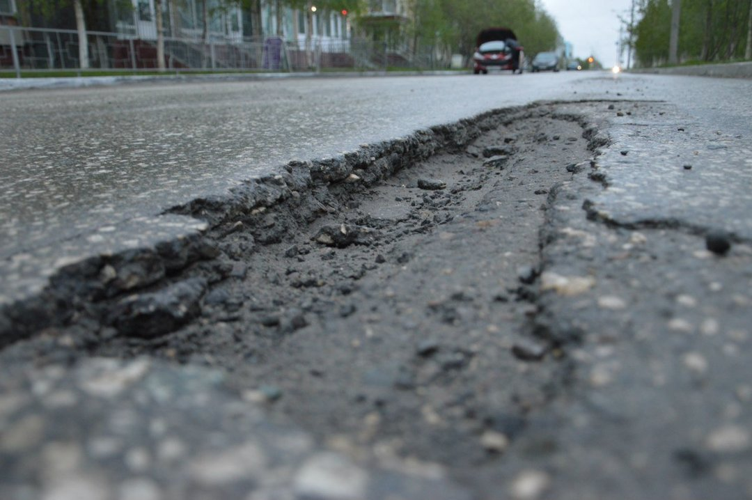 Дурні та дороги! Корумповані чиновники та жадібні підрядники знищують транзитний потенціал України