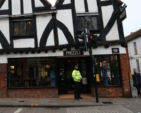 Ресторан в Солсбери угрожает судом модели, которая «отравилась»