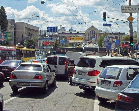 Киев парализовало из-за затяжных пробок: карта проезда