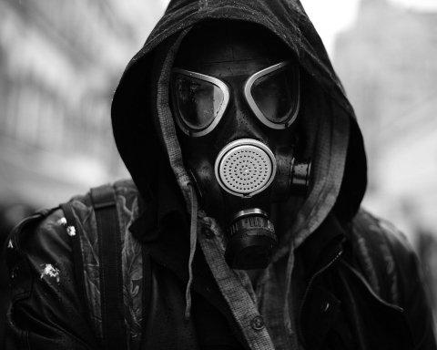 Екологічна катастрофа: завод без документів труїть українців фенолом