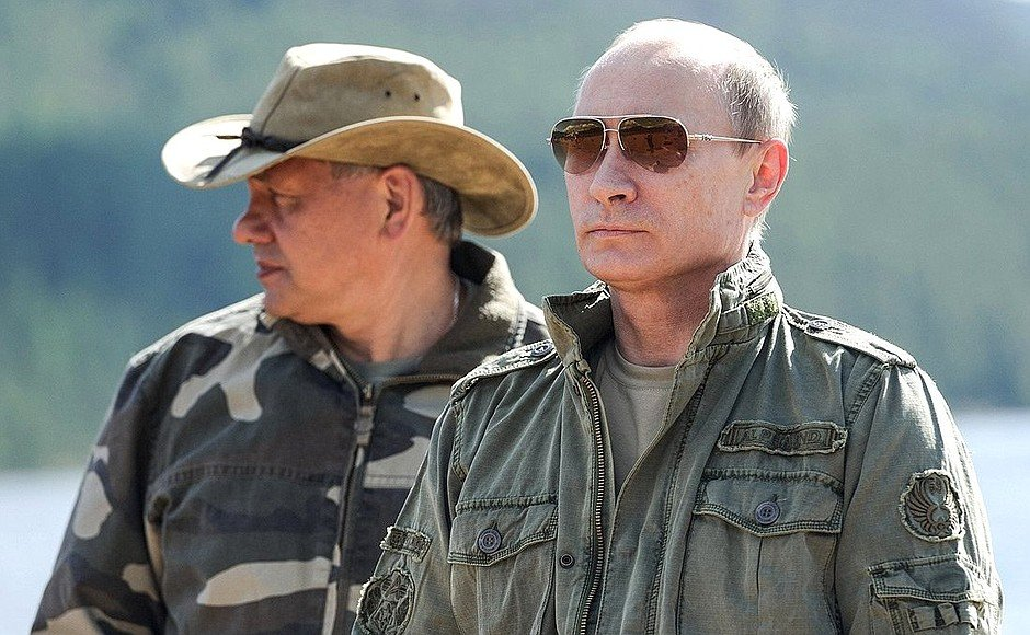 «Путин – русская душа»: зачем президент РФ ездил к медведям в тайгу