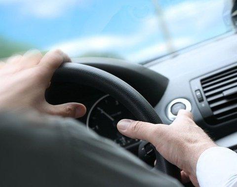 Моторошна трагедія  український водій загинув під час руху авто 74ba22f0a1587