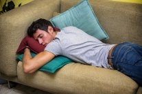 Лучше изменить: названа худшая поза для сна