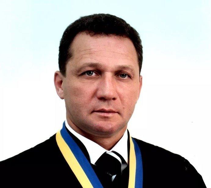 П'яний суддя С. Стопник із вимкненими фарами втікав від копів у Тернополі