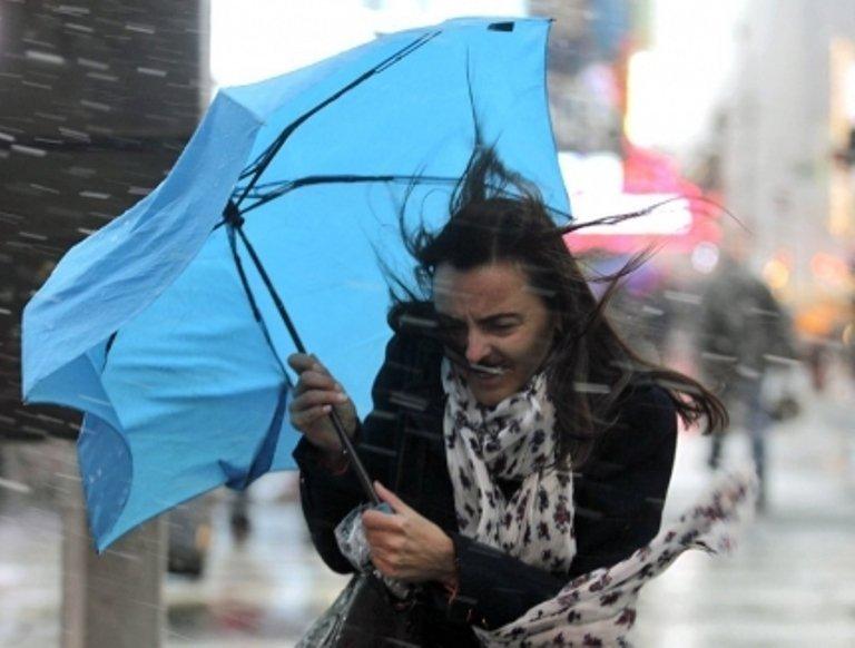 Сильний сніг, дощ та штормовий вітер: якою буде погода на початку тижня