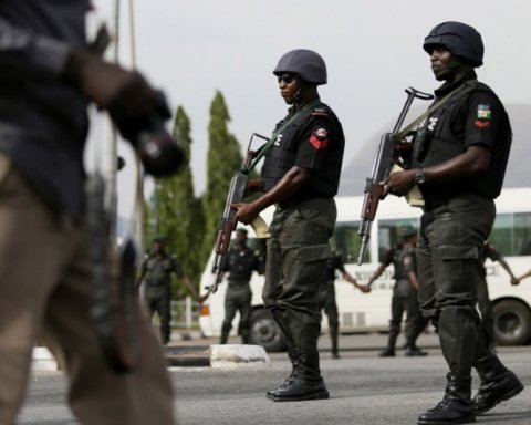Боевики напали на военную базу: десятки погибших солдат
