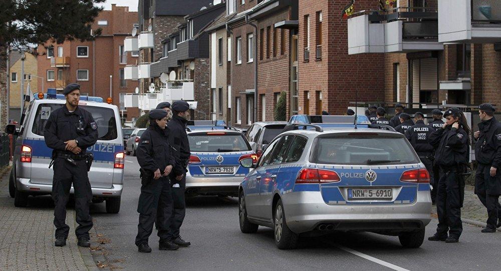 В центре немецкого города захватили заложников: видео