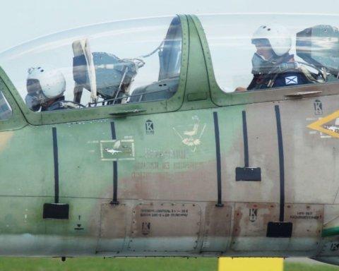 Падение российского самолета: появились данные о судьбе пилотов
