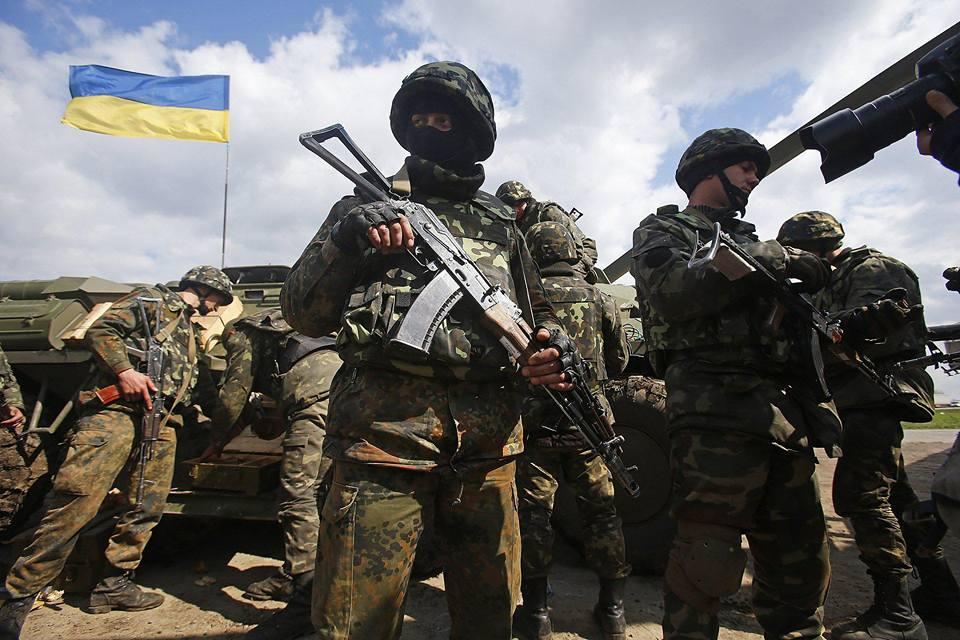 Оккупанты на Донбассе ранили двух украинских защитников