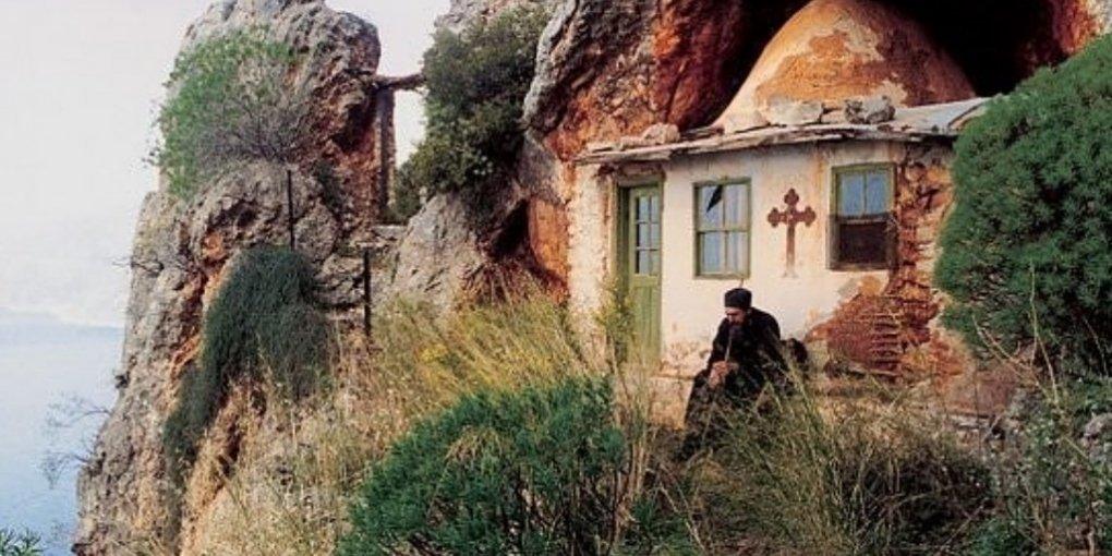"""Автокефалія для України: як РПЦ буде карати за молитви в """"заборонених"""" церквах"""