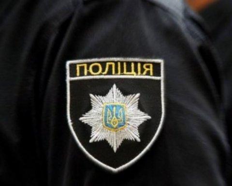 В Киеве устроили перестрелку возле метро: кадры с места ЧП