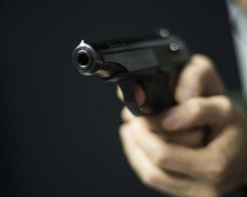Стрілянина у київському кафе: опубліковано нові фото з місця затримання