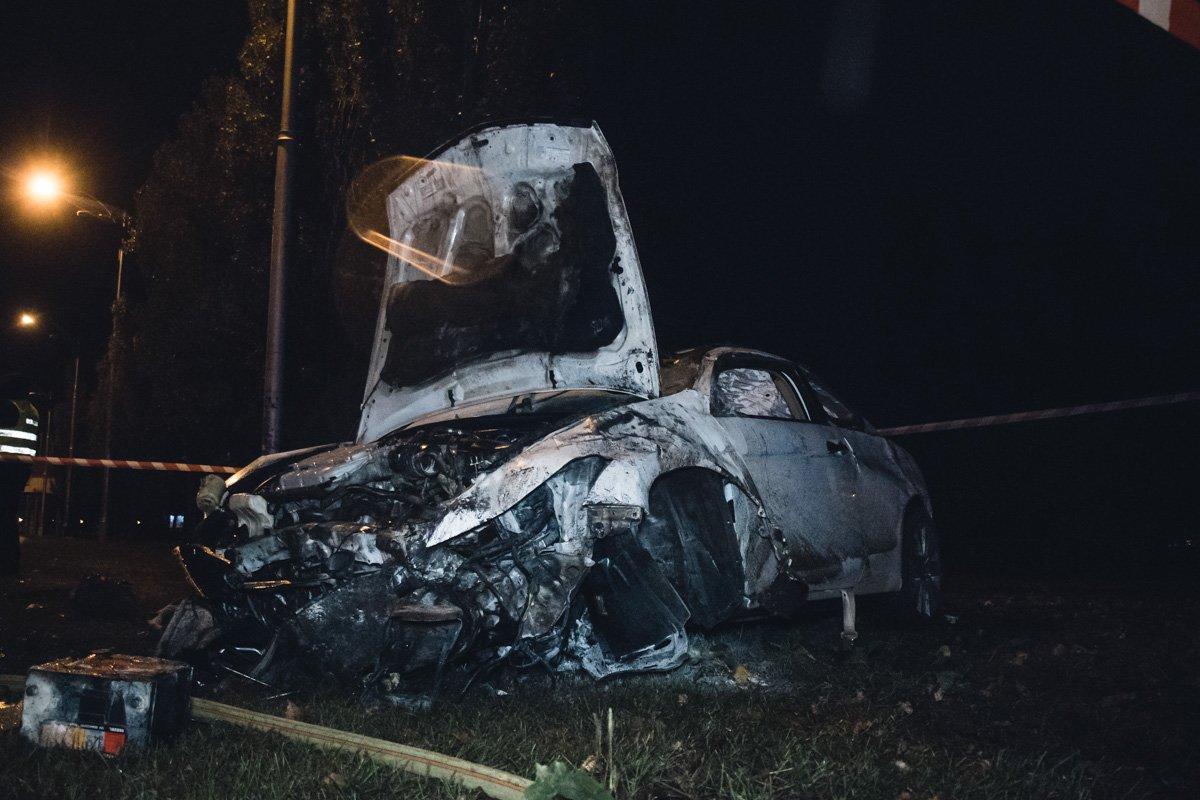 Перекинулася та згоріла вщент: посеред Києва сталася серйозна ДТП