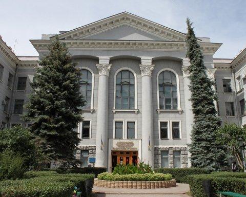 В студенческом общежитии Харькова произошло ЧП с пострадавшими: фото, видео и подробности