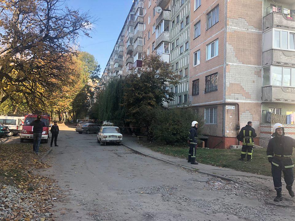 Психически больной мужчина напал на молодую семью и угрожал взорвать дом: первые подробности