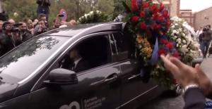 У Барселоні попрощалися з Монсеррат Кабальє: опубліковано фото та відео