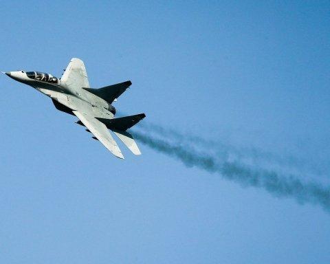 Катастрофа військового літака у Росії: опубліковано відео моменту падіння
