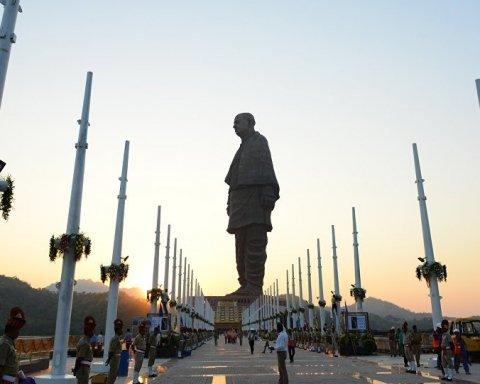 На зависть Китаю: как выглядит самая высокая статуя в мире