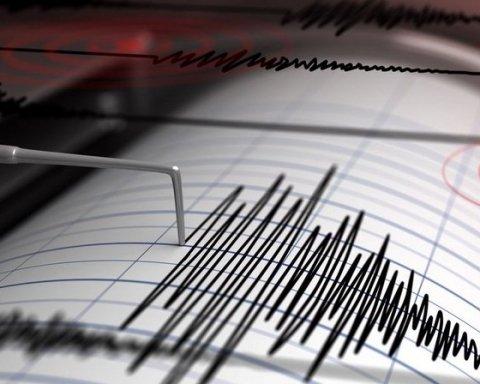 Землетрясение на Филиппинах: пострадали десятки людей